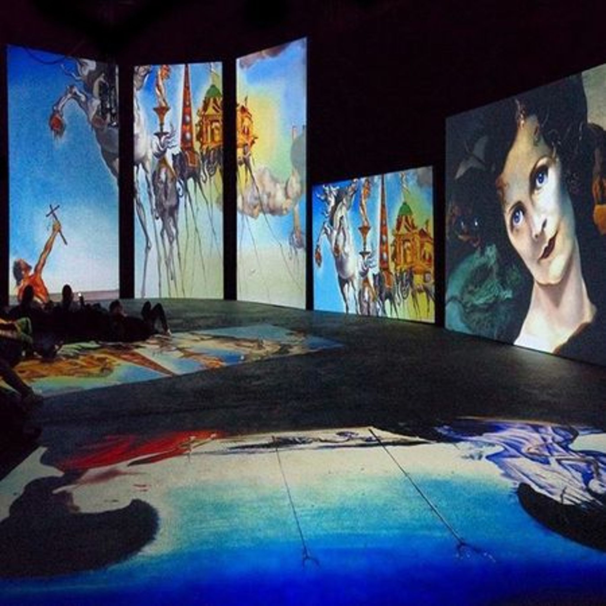 Dali Exhibition – Live web