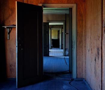 Выставка Торбена Эскерода «Портреты и пространства»