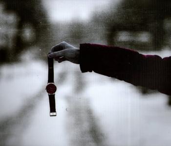 Выставка художественной фотографии Ларисы Ивановой «Красный уровень одиночества»